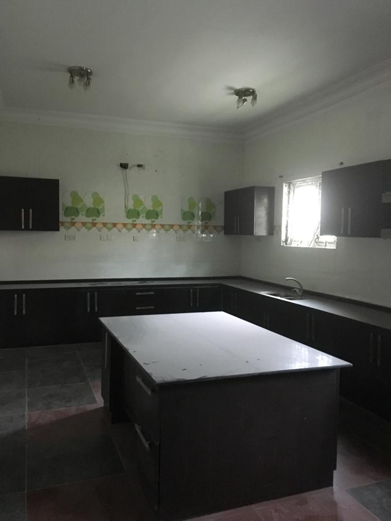 A tastefully furnished 5 bedroom fully detached house