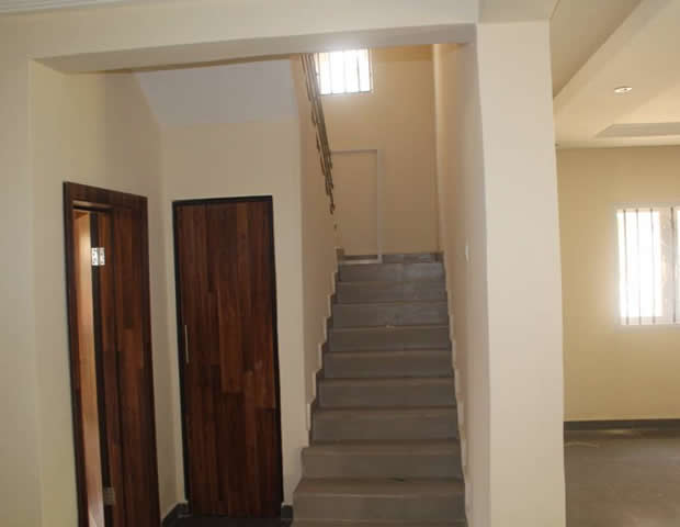 Beautifully Finished Fully Detached Duplex to let with a room Boy's Quarter